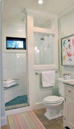 Unusual Small Bathroom Design Ideas 43