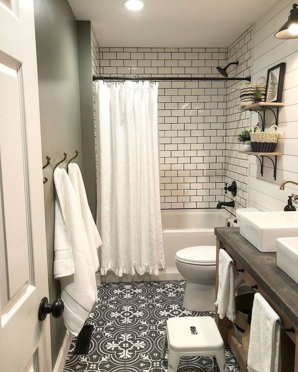 Unusual Small Bathroom Design Ideas 46