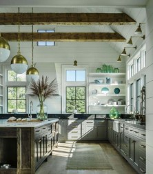 Cool Traditional Farmhouse Decor Ideas For House 22