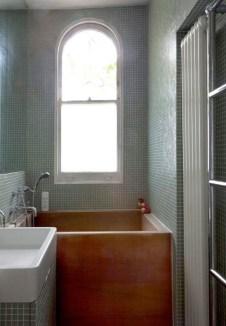 Cozy Small Bathroom Ideas With Wooden Decor 03