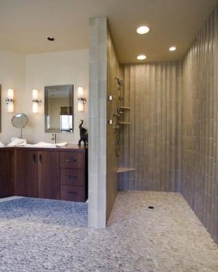 Cozy Small Bathroom Ideas With Wooden Decor 12