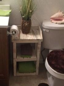Cozy Small Bathroom Ideas With Wooden Decor 22