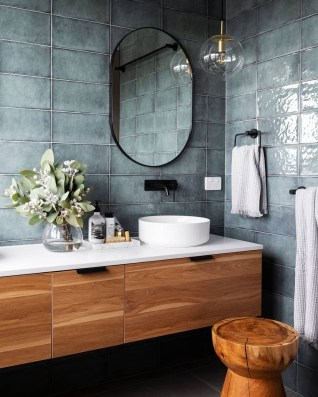 Cozy Small Bathroom Ideas With Wooden Decor 35