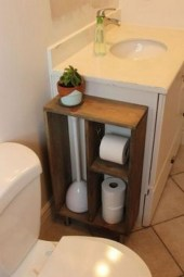 Cozy Small Bathroom Ideas With Wooden Decor 49