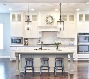 Creative Painted Kitchen Cabinets Design Ideas 21