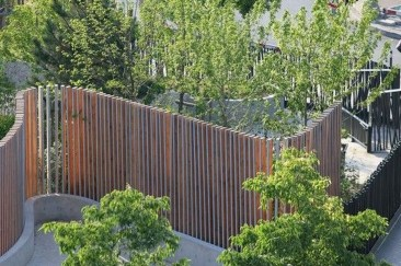 Cute Garden Fences Walls Ideas 08