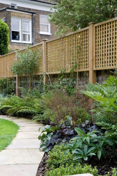 Cute Garden Fences Walls Ideas 09
