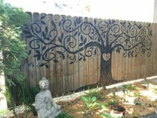 Cute Garden Fences Walls Ideas 18