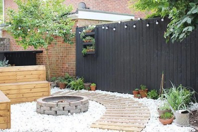 Cute Garden Fences Walls Ideas 42