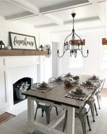 Fabulous White Farmhouse Design Ideas 04