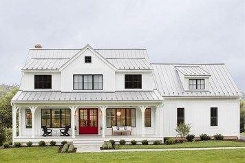 Fabulous White Farmhouse Design Ideas 06