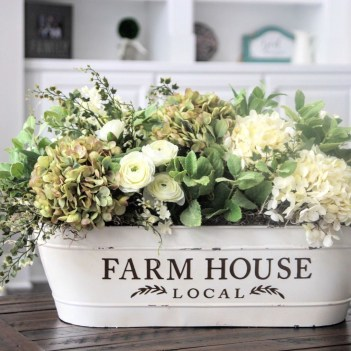 Fabulous White Farmhouse Design Ideas 16