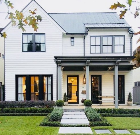 Fabulous White Farmhouse Design Ideas 25