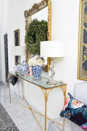 Fancy Living Room Decor Ideas With Ginger Jar Lamps 43