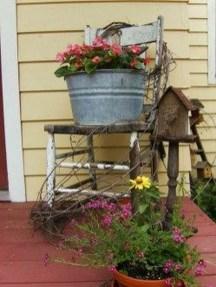 Fascinating Farmhouse Porch Decor Ideas 19