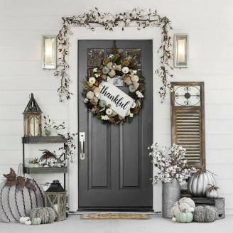 Fascinating Farmhouse Porch Decor Ideas 25
