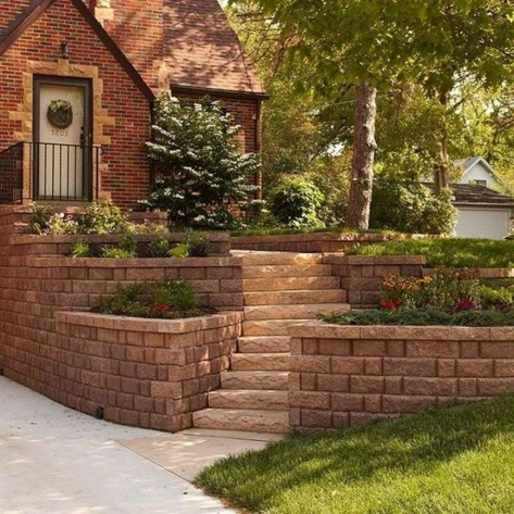 Gorgeous Front Yard Retaining Wall Ideas For Front House 12