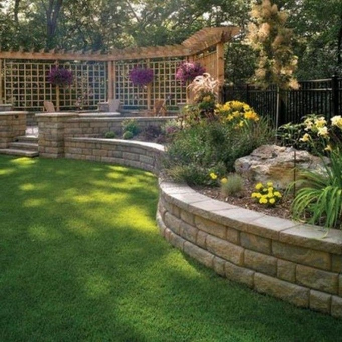 Gorgeous Front Yard Retaining Wall Ideas For Front House 17
