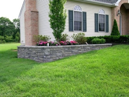 Gorgeous Front Yard Retaining Wall Ideas For Front House 18