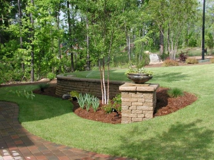 Gorgeous Front Yard Retaining Wall Ideas For Front House 42
