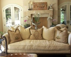 Impressive French Style Living Room Designs Ideas 08