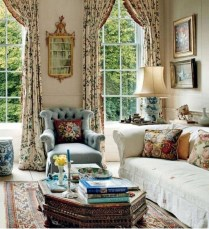 Impressive French Style Living Room Designs Ideas 18