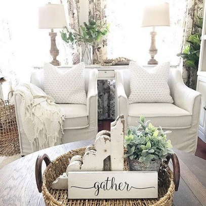 Impressive French Style Living Room Designs Ideas 31
