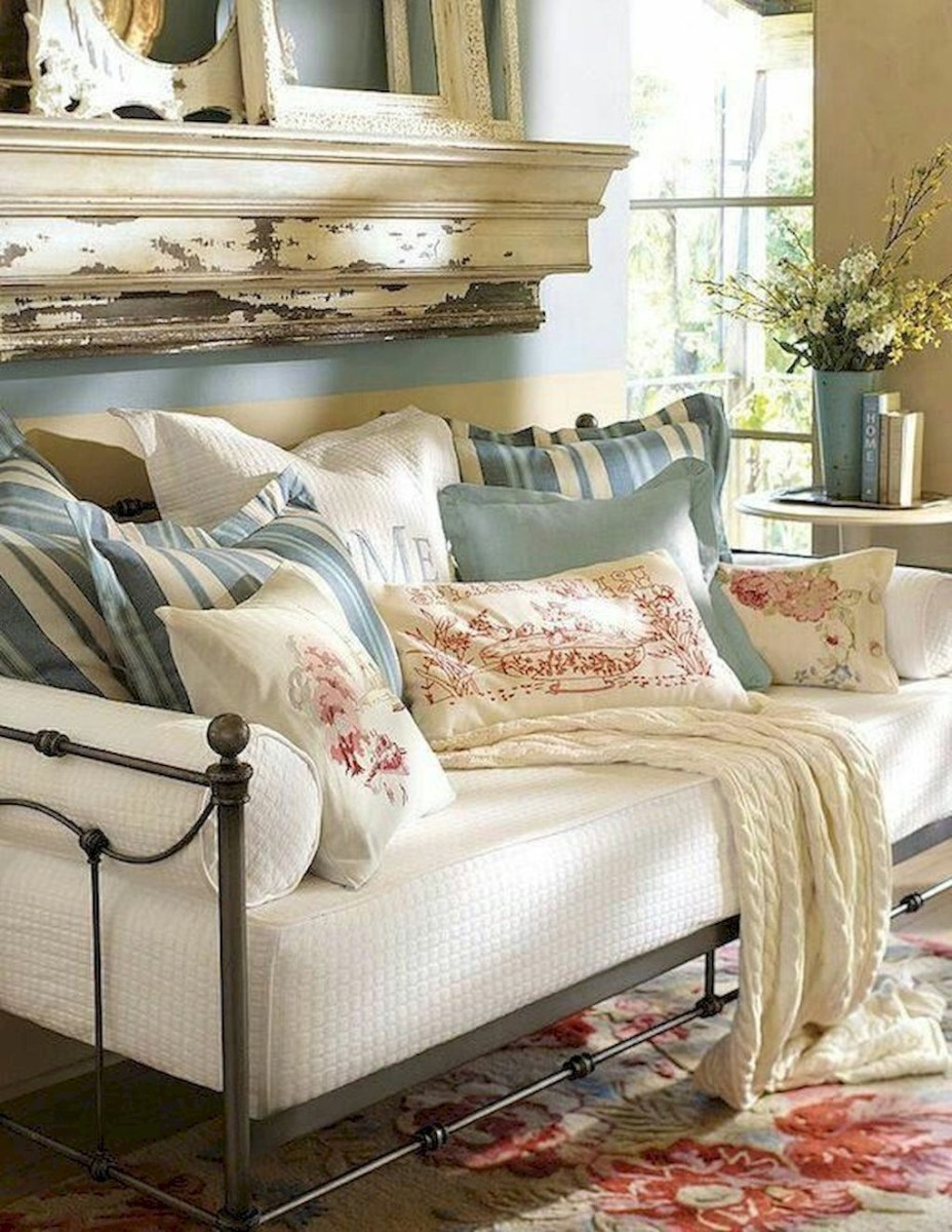 Impressive French Style Living Room Designs Ideas 49