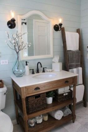 Popular Farmhouse Small Bathroom Decorating Ideas 15