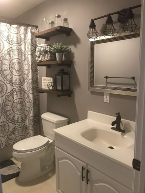 Popular Farmhouse Small Bathroom Decorating Ideas 26