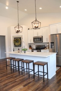 Popular Small Farmhouse Design Ideas To Style Up Your Home 11