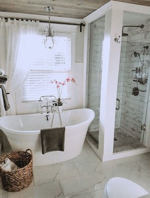Awesome Bathroom Shower Ideas For Tiny House 15
