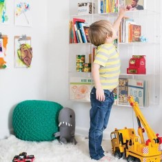 Cozy Bookcase Ideas For Kids Room 14