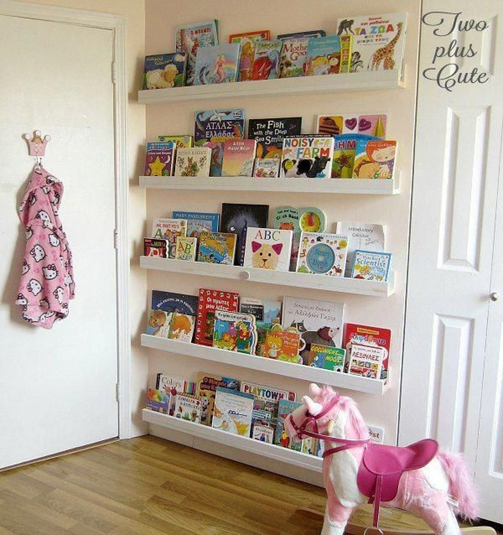 Cozy Bookcase Ideas For Kids Room 33