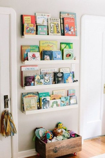 Cozy Bookcase Ideas For Kids Room 39