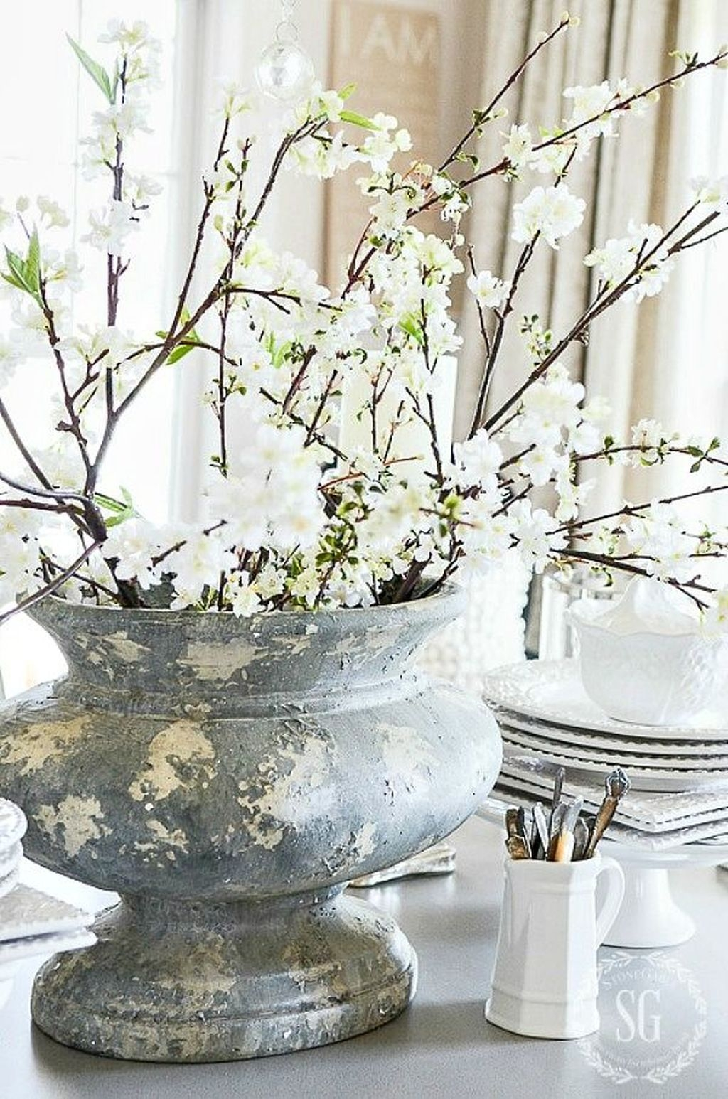 Affordable Arranging Things Ideas In Home For Perfect Order 37