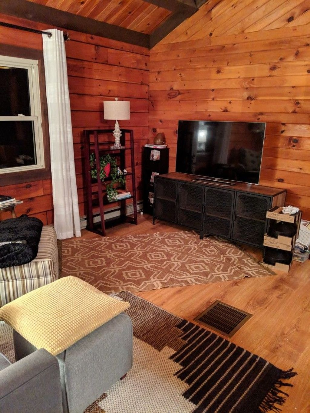 Affordable Arranging Things Ideas In Home For Perfect Order 45
