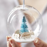 Best Home Decoration Ideas With Snowflakes And Baubles 07