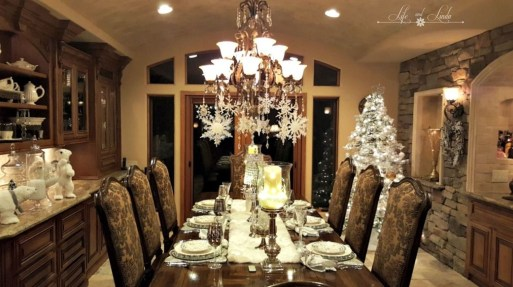 Best Home Decoration Ideas With Snowflakes And Baubles 42