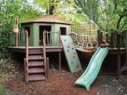 Captivating Treehouse Ideas For Children Playground 09