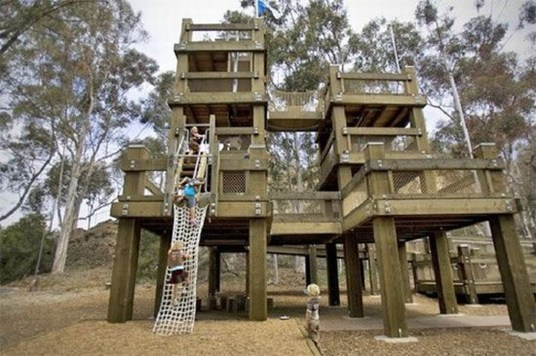 Captivating Treehouse Ideas For Children Playground 29