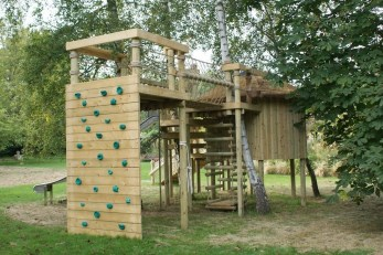 Captivating Treehouse Ideas For Children Playground 41