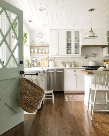 Enchanting Farmhouse Kitchen Decor Ideas To Try Nowaday 19
