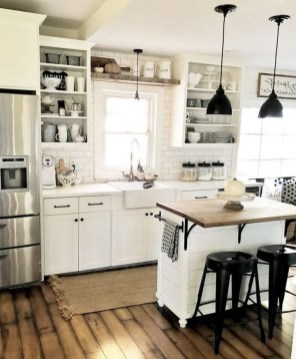 Enchanting Farmhouse Kitchen Decor Ideas To Try Nowaday 33