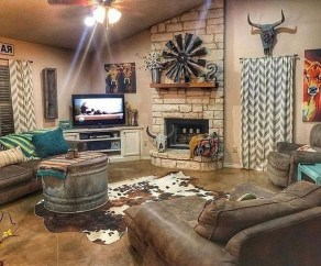 Fancy Farmhouse Living Room Decor Ideas To Try 22