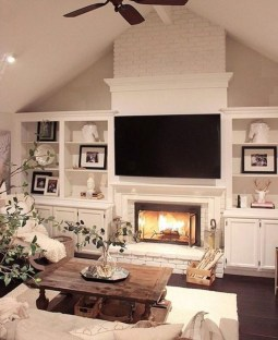 Fancy Farmhouse Living Room Decor Ideas To Try 23