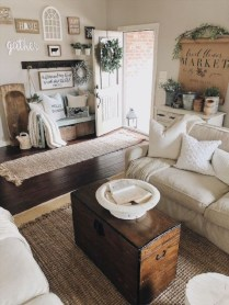Fancy Farmhouse Living Room Decor Ideas To Try 32