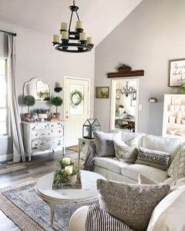Fancy Farmhouse Living Room Decor Ideas To Try 36