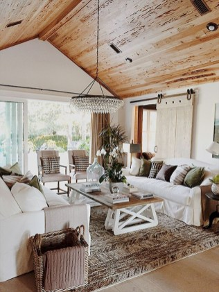 Fancy Farmhouse Living Room Decor Ideas To Try 41