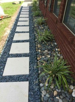 Newest Front Yard Landscaping Design Ideas To Try Now 08
